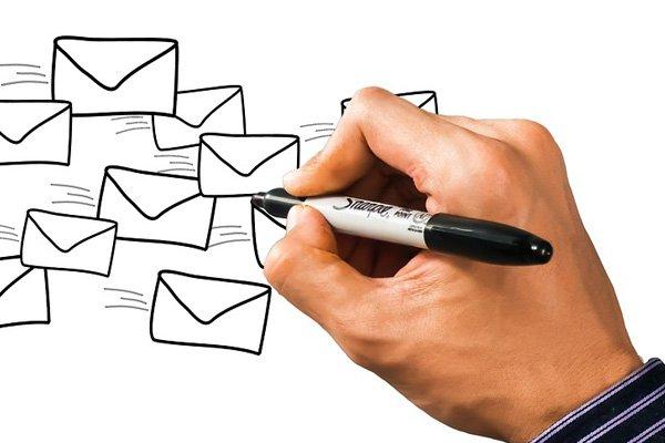 Diseñar email de felicitación de Año Nuevo com Acumbamail