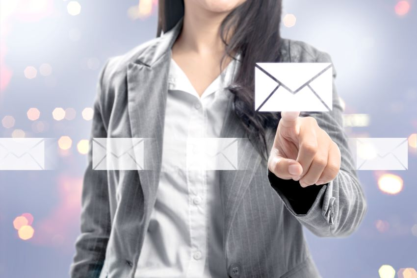 cross selling y up selling email marketing