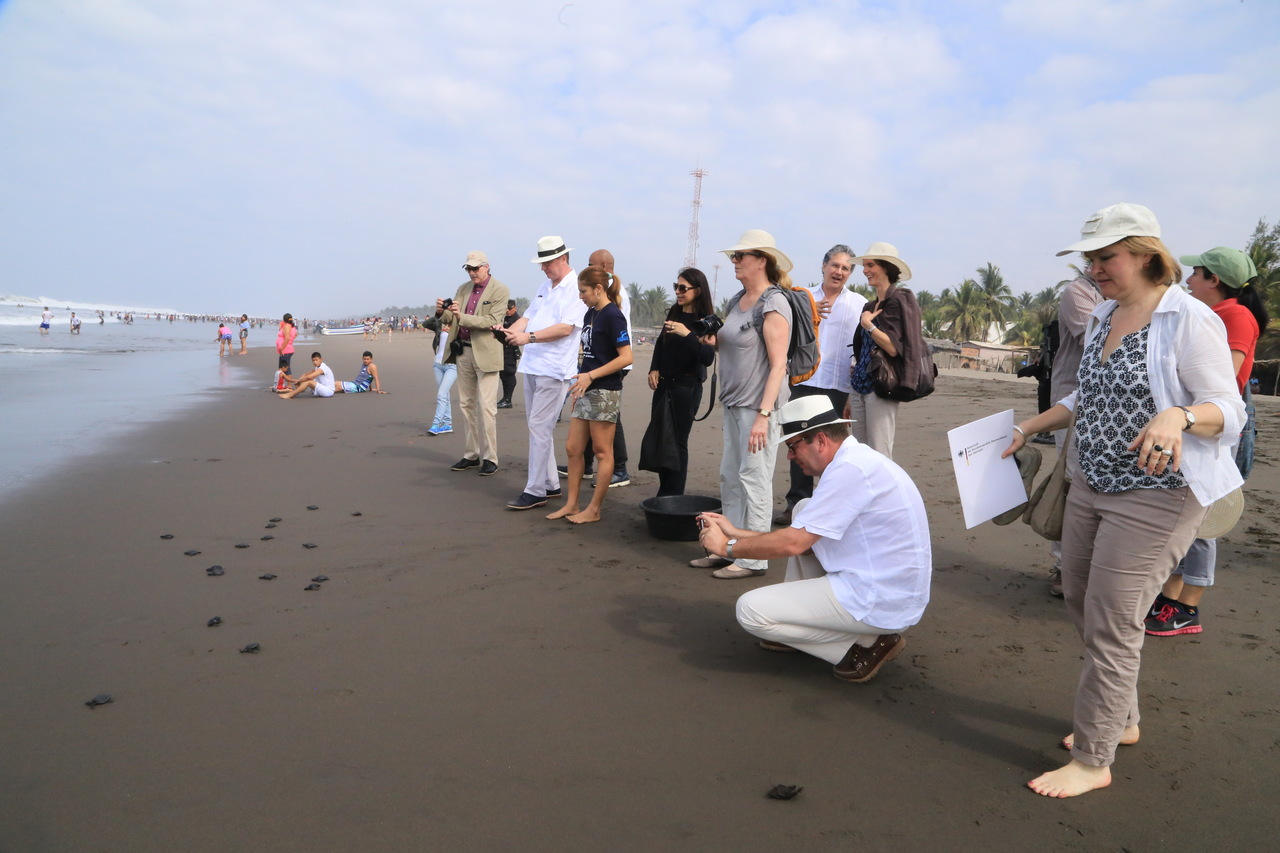 Parlamentarios alemanes visitan el área de intervención del Programa REDD+ Landscape / CCAD-GIZ en El Salvador